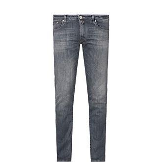 696 Slim Fit Jeans