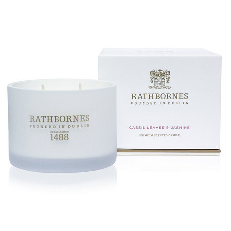 Cassis Leaves and Jasmine Classic Scented Candle, ${color}