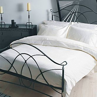 Hotel Suite 540 Thread Count Coordinated Bedding White