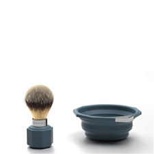 Pop-Up Travel Shaving Set