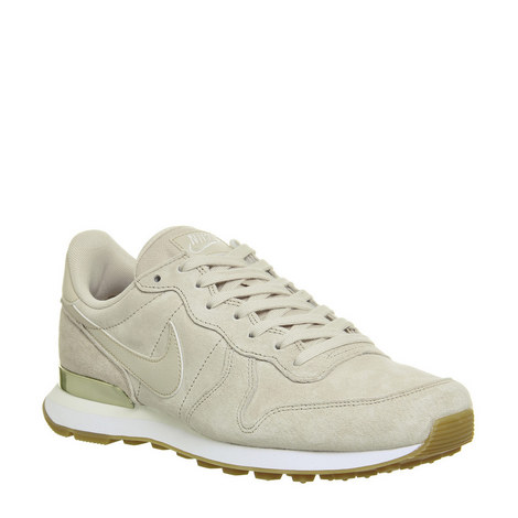 Internationalist Trainers, ${color}