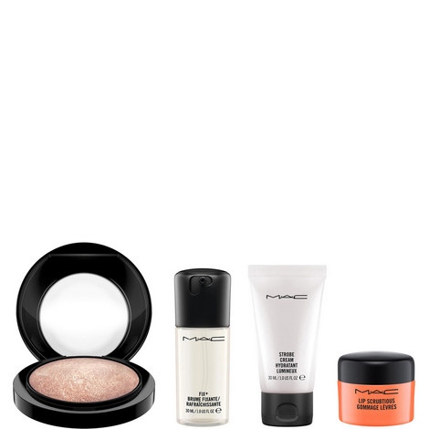 Summer Essentials Skincare Collection Worth €67, ${color}