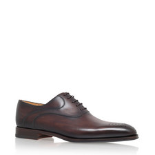 Medallion Oxford Shoes