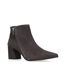 Signet Pointed Boots