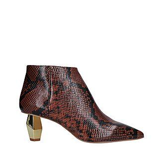 Della Boots