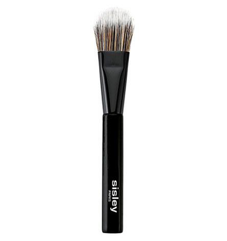 Fluid Foundation Brush, ${color}