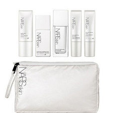 Luminous Moisture Travel Set