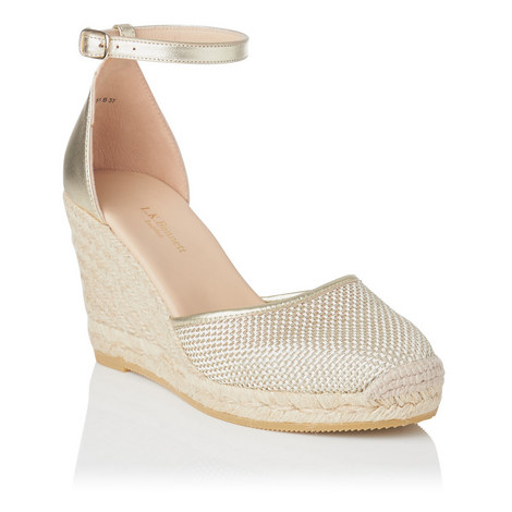 afad3171b561 Halle Casual Sandals